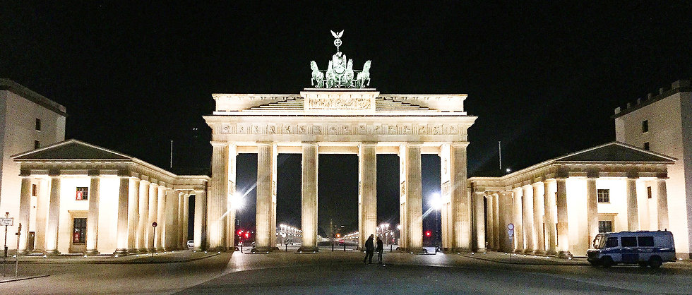 berlin-989111_edited.jpg