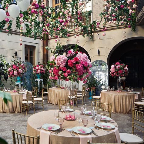 luxury%20wedding%20courtyard_edited.jpg
