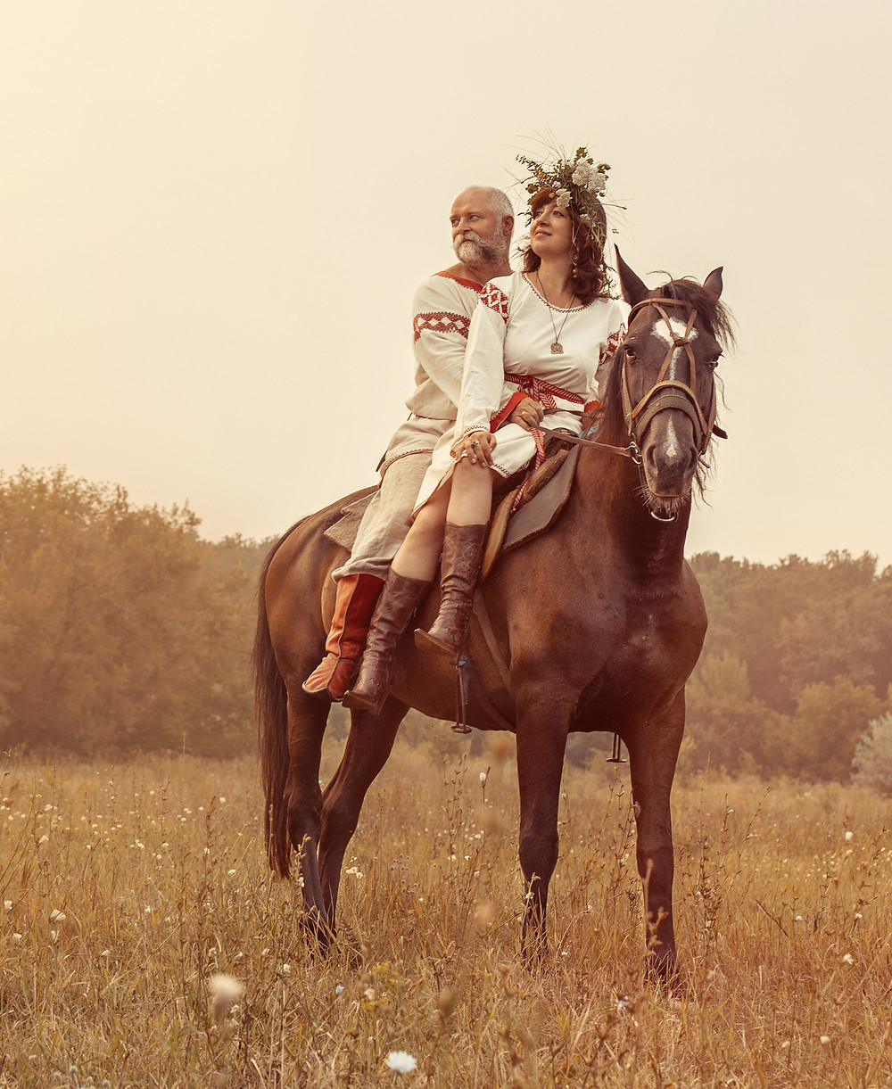Why not ride into your wedding ceremony on horseback?