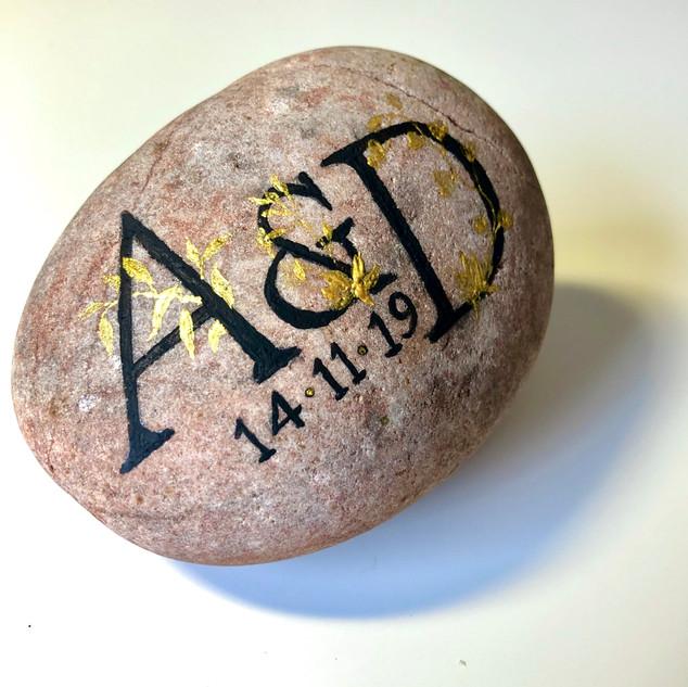 Personalised oathing stone