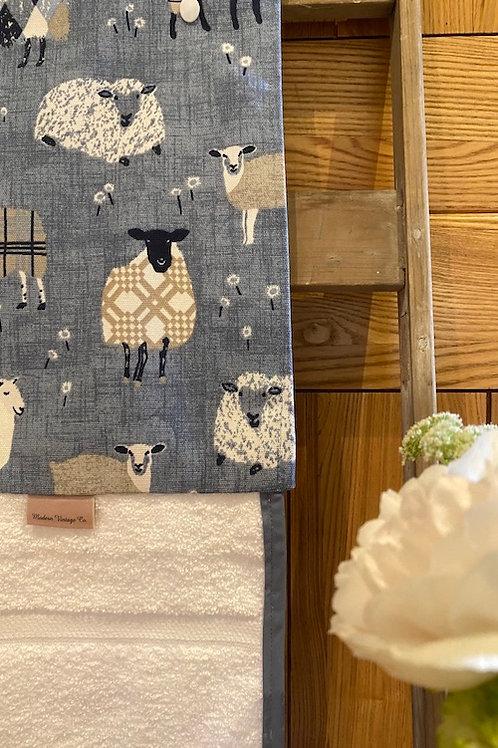 Roller Towel, Blue Sheep E118