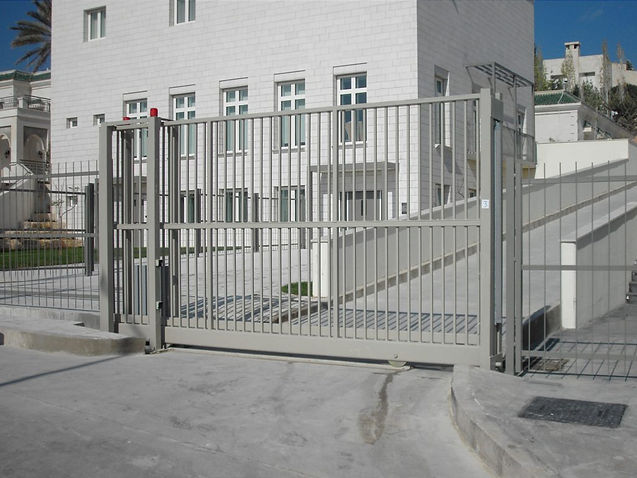 Ground-Track-Sliding-Gates-3-1024x768.jp