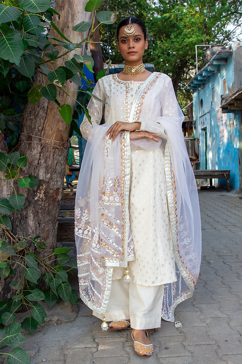 Off- white banarsi booti embroidered suit