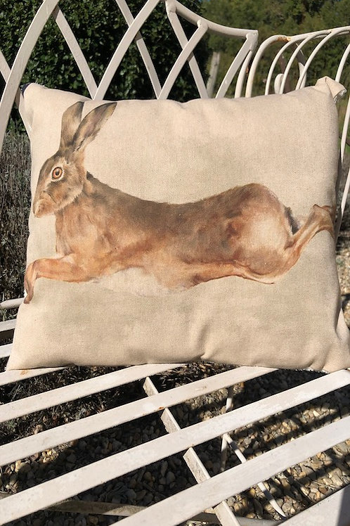 Cushion, Leaping Hare C085