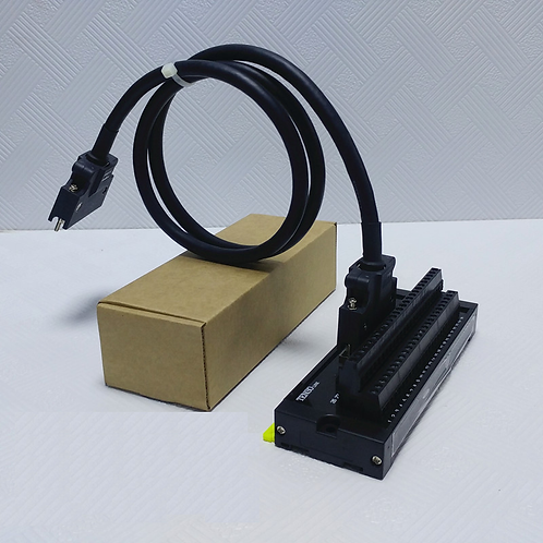 Клеммная колодка MR-TB50 и кабель MR-J3CN1 для Mitsubishi MR-JE J4