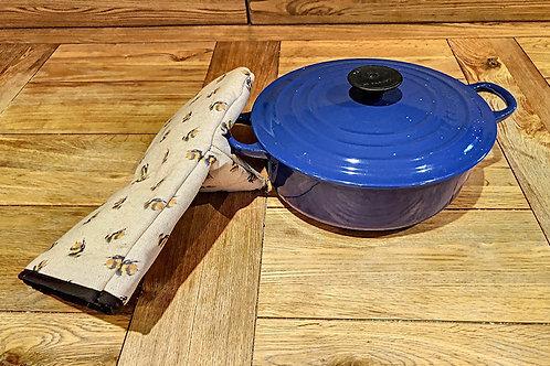 Bumble Bees Oven Gauntlet K014