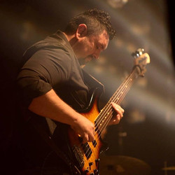 Ghadyego Carraro - electric bass
