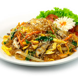 Japchae (stir-fried-vermicelli-noodles-with-mixed-vegetables)
