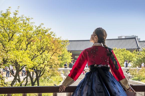 woman-traditional-korean-clothing-looking-up-sky.jpg