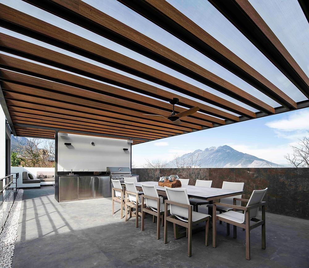 tescala | TEC | terraza principal +  Cerro de la Silla