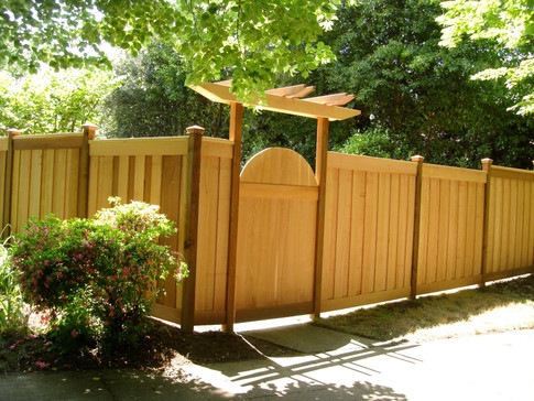 Overlapped Picture Frame Cedar Fence