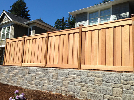 Overlapped Picture Frame Cedar Fence w/ Cap