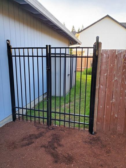 Double Swing Aluminum Gate