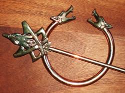 Cloak ring brooch