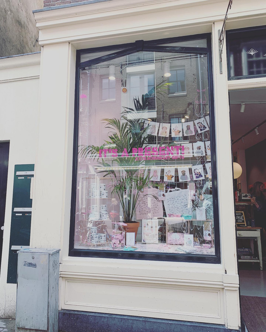 Eat Mielies in the window at It's A Present
