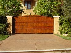 Los Angeles Guide for building a Wooden Driveway Gate