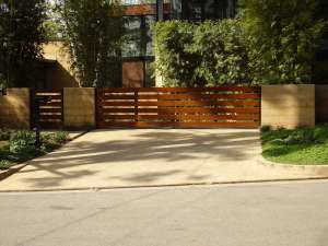 Los Angeles Driveway Entrance Ideas for Landscaping