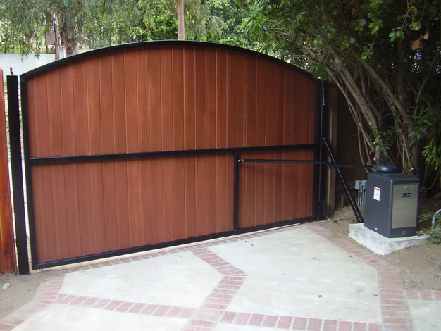 electric gates are an easy way to ensure the security of private premises and can be used for all sized properties the design of the automated driveway