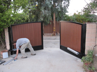 Wood Gates – 5 ways to keep your gate running