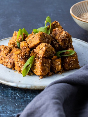 Tempeh with sesame seeds