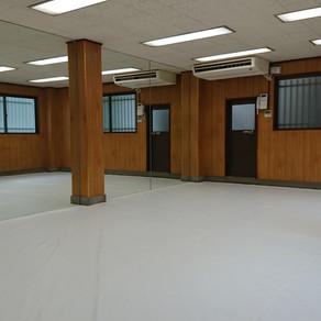 真っ白マット、真っ白なサウンドバック入りました!! 大田区萩中に、キックボクシングエクササイズ  空手道場オープンです!
