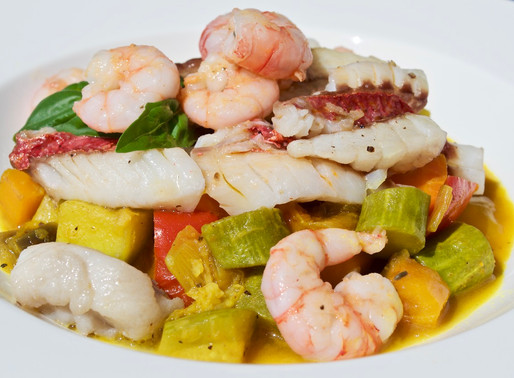 Filetti di pesce e gamberi con spezzatino di verdure allo zenzero - Fish fillets and prawns stew wit
