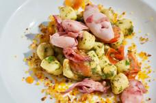 Gnocchetti di zucchine alle erbette con calamari spadellati #4.jpg
