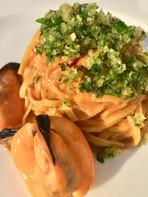 Talgliatelline con salsa di cozze e panko con prezzemolo e peproncino #1.jpg