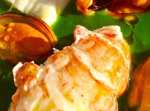 Misto di pesce bollito su vellutata di spinaci allo zenzero - Boiled fish mixed on velvet spinach wi