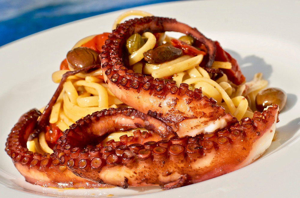 Linguine con polpo alla luciana - Linguine with octopus Luciana way