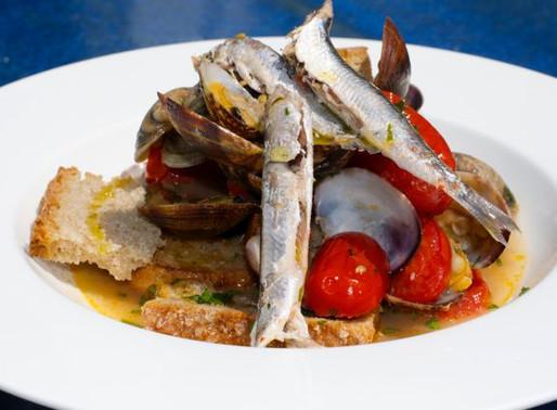 """Zuppa di alici e vongole, Zuppetella 'e alice e lupine - Anchovies and clams soup - """"Zuppetella 'e a"""