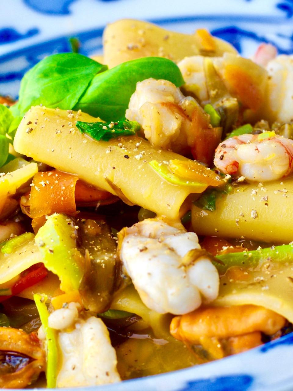 Schiaffoni con verdure e pesce - Schiaffoni with vegetables and fish