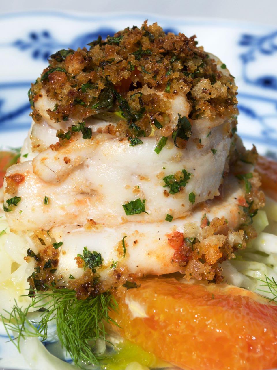 Involtino di pesce spatola con insalata di finocchio agli agrumi - Paddlefish roulade with fennel salad with citrus fruits