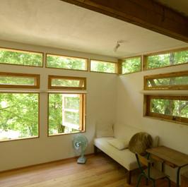 出来上がった現在の2階の部屋。 Photo by NIRAI Photo Studio