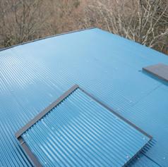 屋根、貼り終わり。