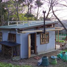 小屋を作りはじめて2年経過。