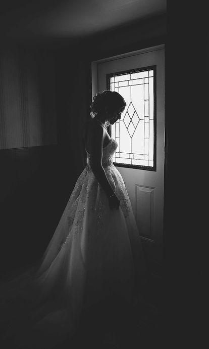 photo noire et blanc de la mariée