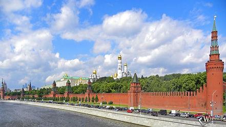 wpapers_ru_красная-стена-в-москве.jpg