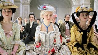 Gli abiti premio Oscar del film Marie Antoniette in mostra a Prato