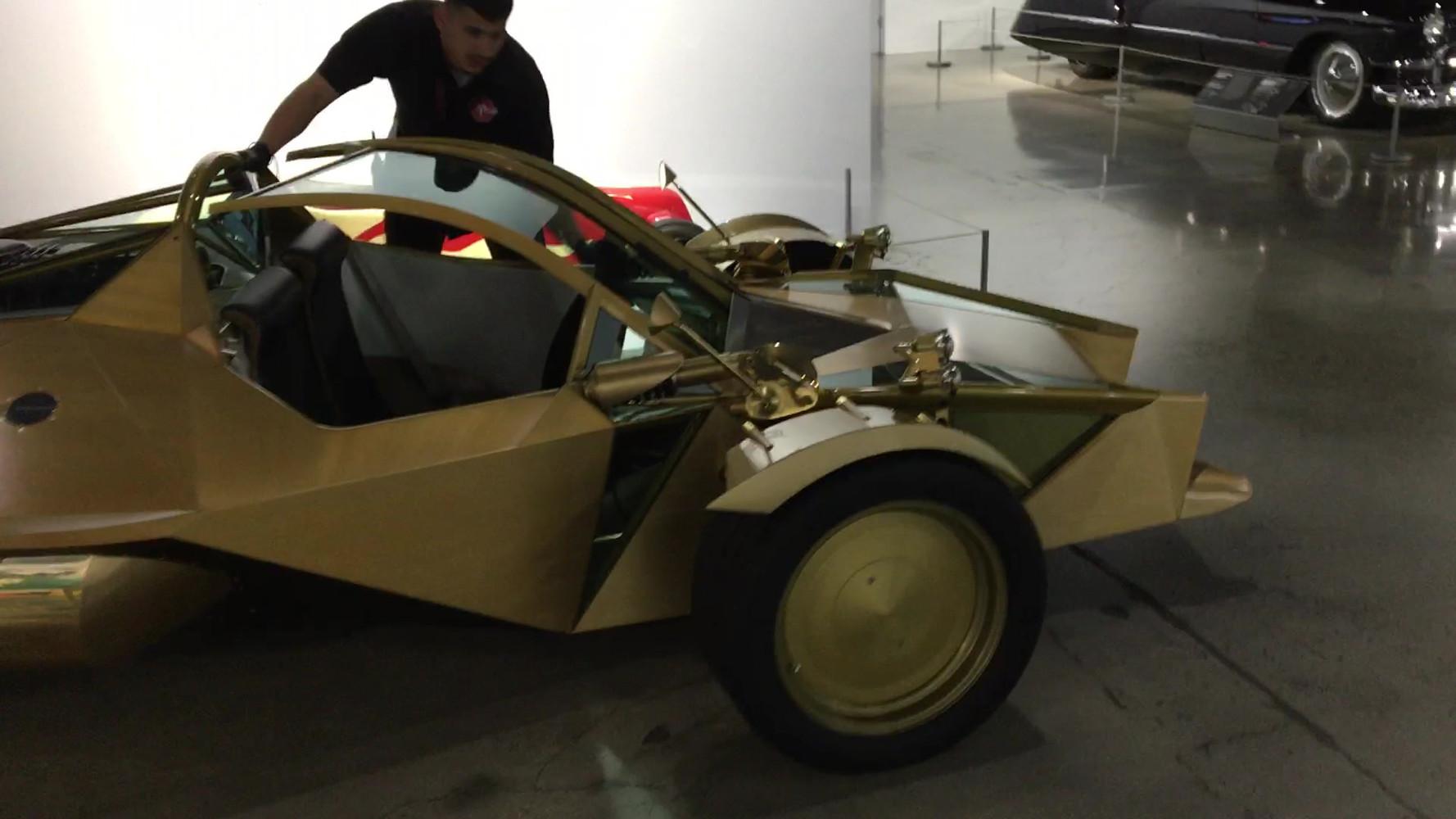 Xeno3 At Petersen Museum.MOV