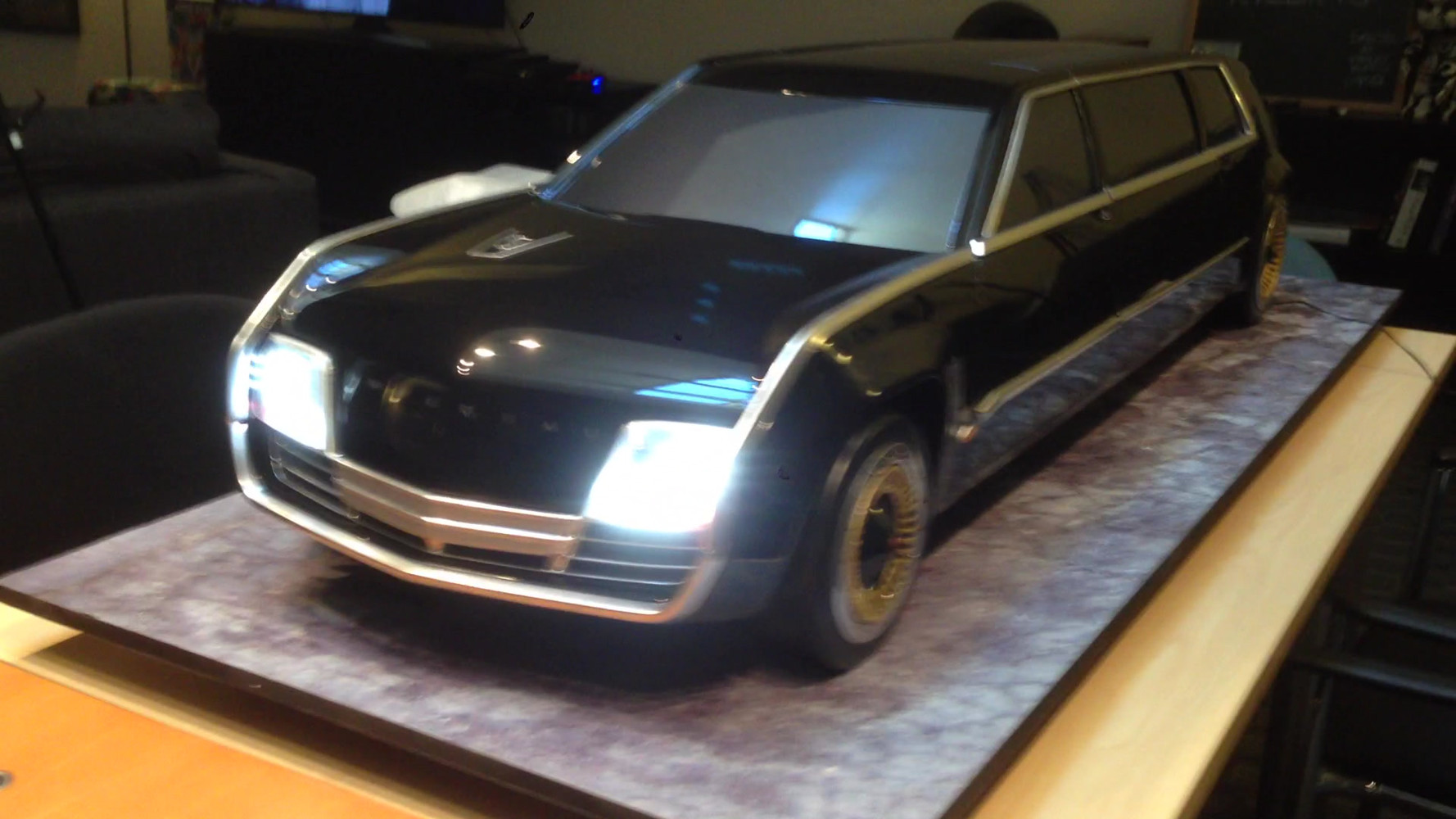 5th Scale Limo