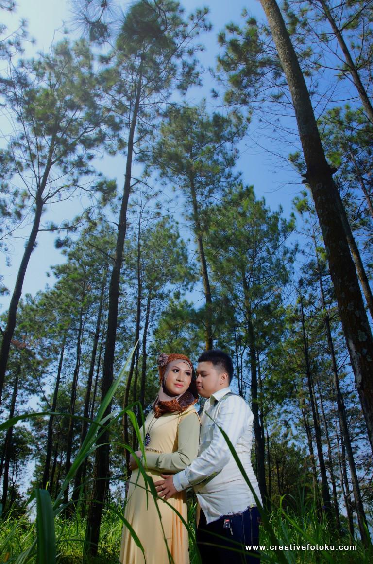 foto prewedding hutan pinus pacet, mojokerto #01