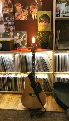 Pers guitar.jpg