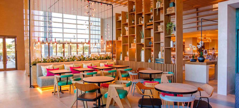 Zeste Café, Holiday Inn Dubai Festival City