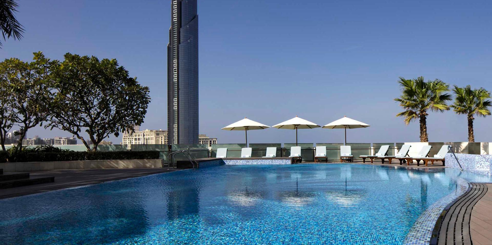 Crowne Plaza Pool