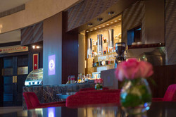 Mazar Lounge, Crowne Plaza DFC