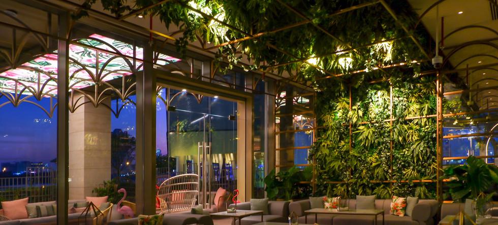 Pierre's Bar lounge area (1).jpg