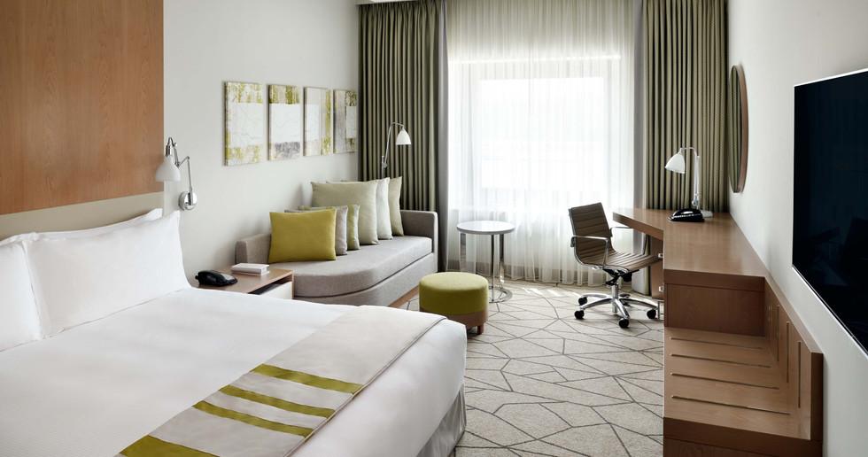Holiday Inn Dubai Festival City (8).jpg