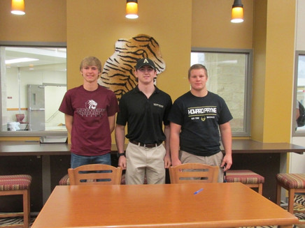 DSHS Athletes sign letters of intent
