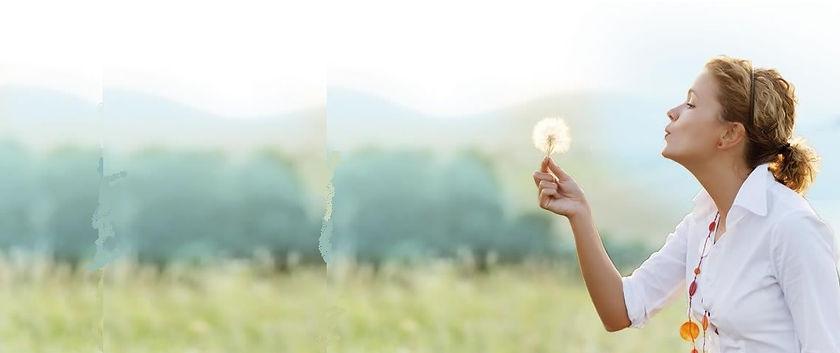souffler sur une fleur.jpg